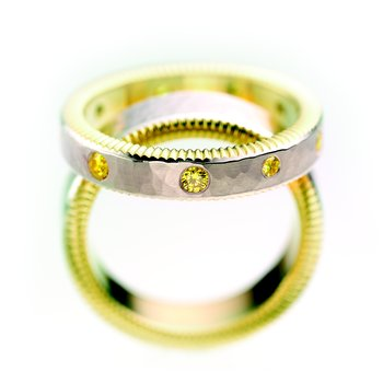 Flat Quoin edge w/scattered yellow diamonds