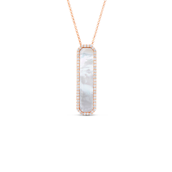 18Kt Gold Art Deco Pendant With Diamonds And Mother Of Pearl