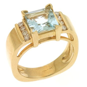 Aquamarine./diamond Ring