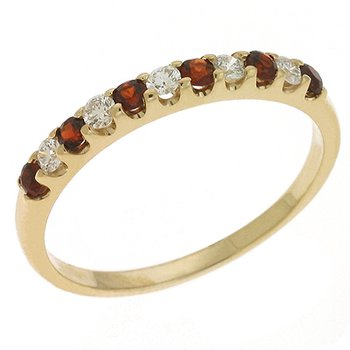 Garnet & Diamond Ring
