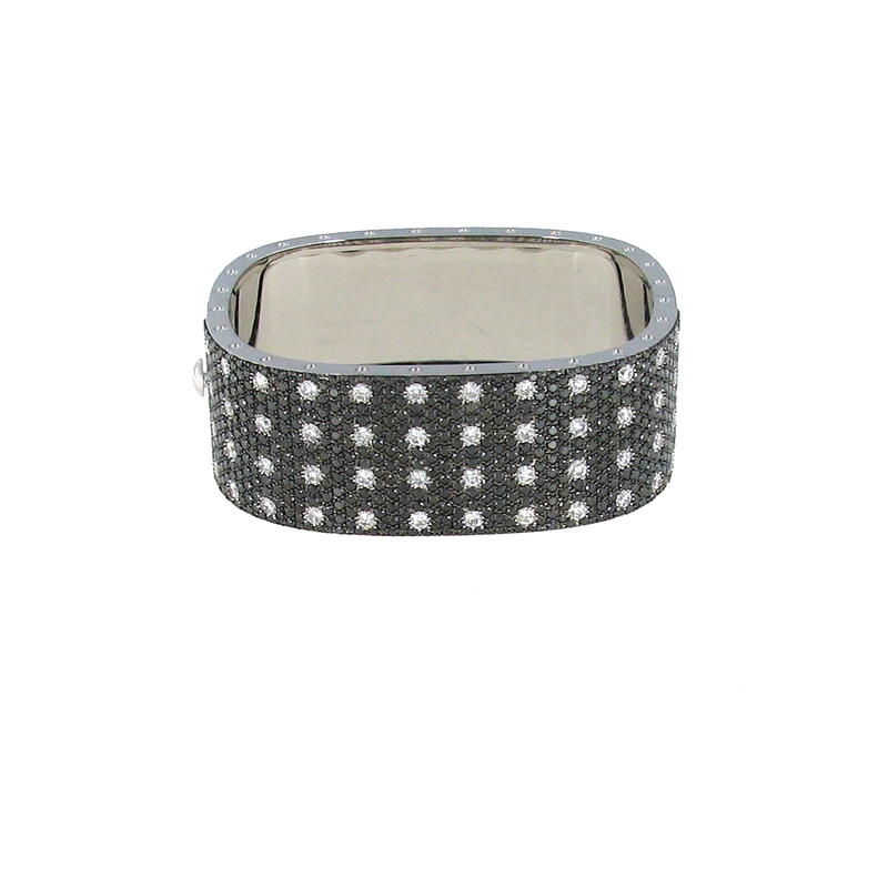 Roberto Coin 18Kt Gold 4 Row Bangle With Black And White Diamonds
