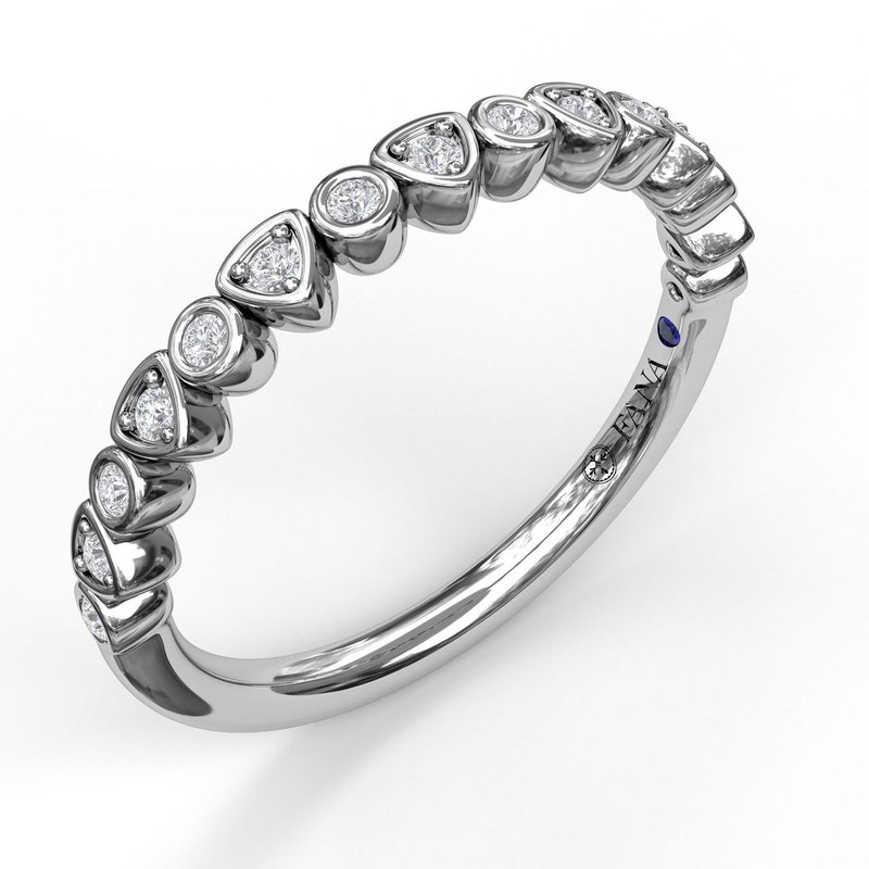 Fana Alternating Trillion and Bezel Diamond Band