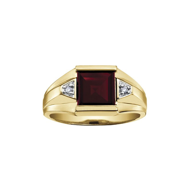 Timeless Beauty Garnet Gents Ring