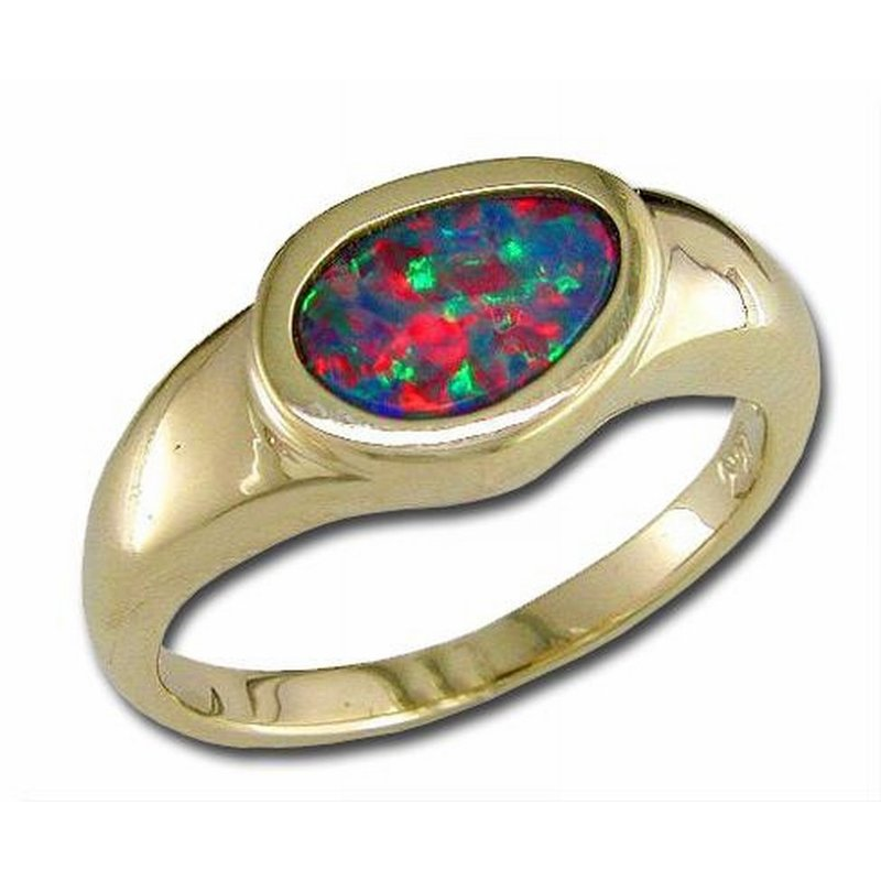 Parlé Yellow Gold Opal Ring