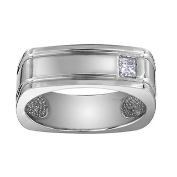 Maple Leaf Diamonds™ Gents Ring