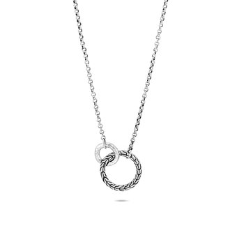 Classic Chain Interlinking Necklace in Hammered Silver
