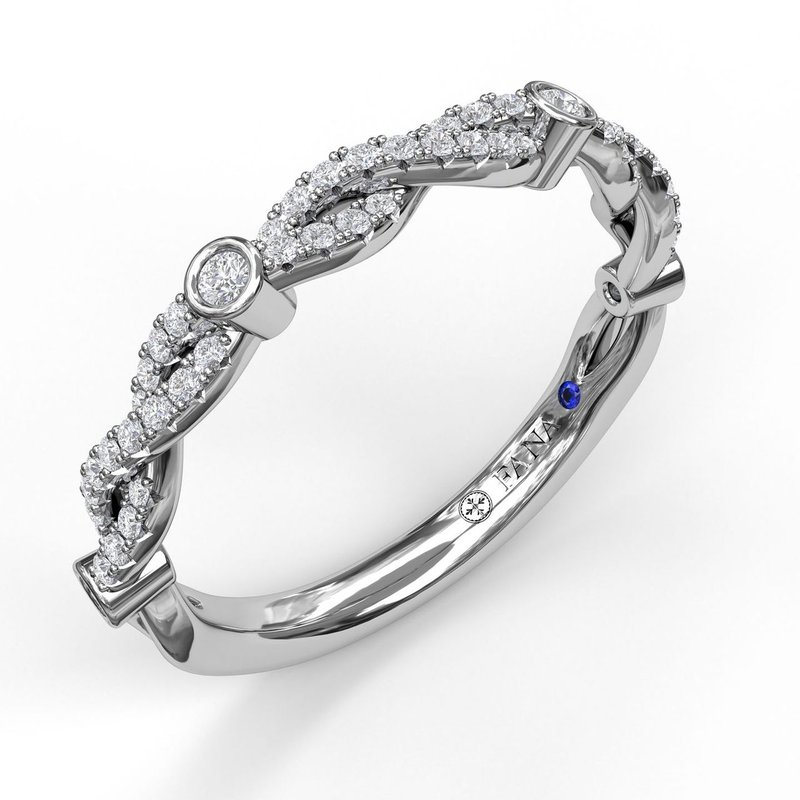 Fana Twist Band with Diamond Bezel Stations