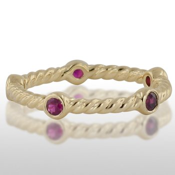 Ladies' Yellow Gold Ruby Ring