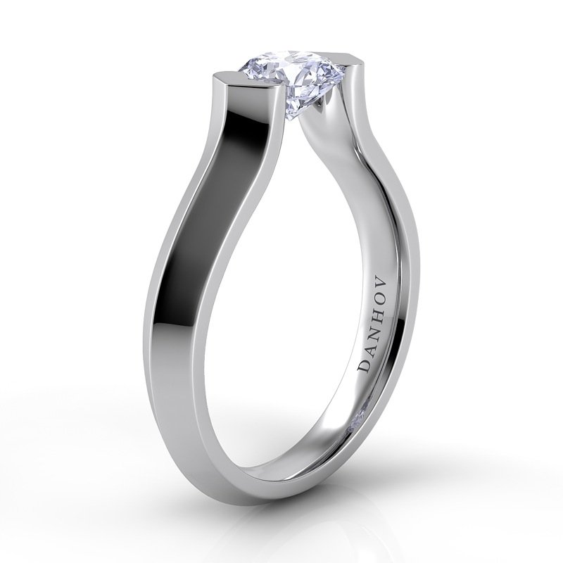Danhov Voltaggio Knife Edge Engagement Ring