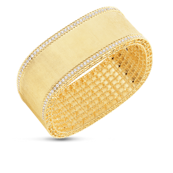 18Kt Gold Bangle With Diamond Edges