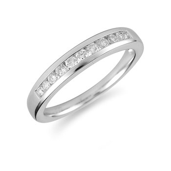 14K WG Diamond Wedding Band Graduated Stones