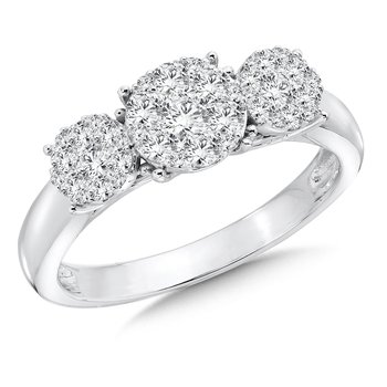 Prong set Diamond star Ring in 14k White Gold (3/4 tw.)