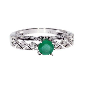 14k White Gold Oval Emerald Solitaire Ring