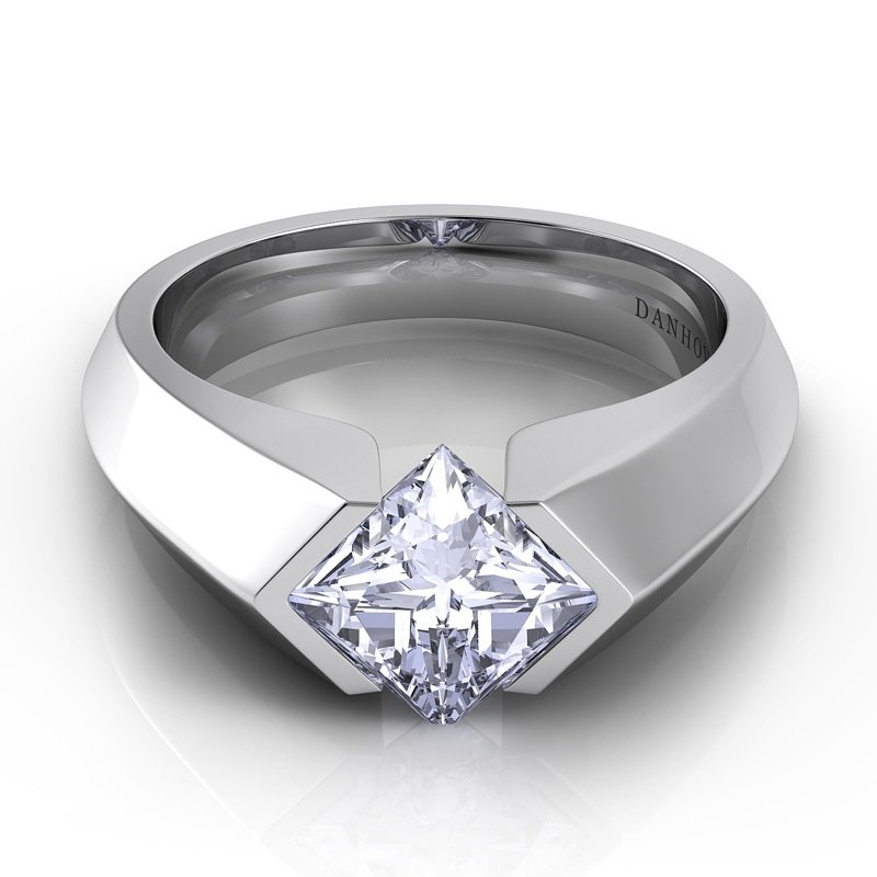 Danhov Voltaggio Knife Edge Princess-Cut Engagement Ring