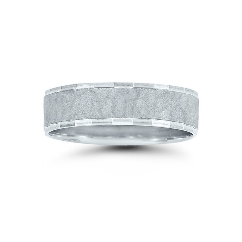 Novell Mens Hammered Wedding Band