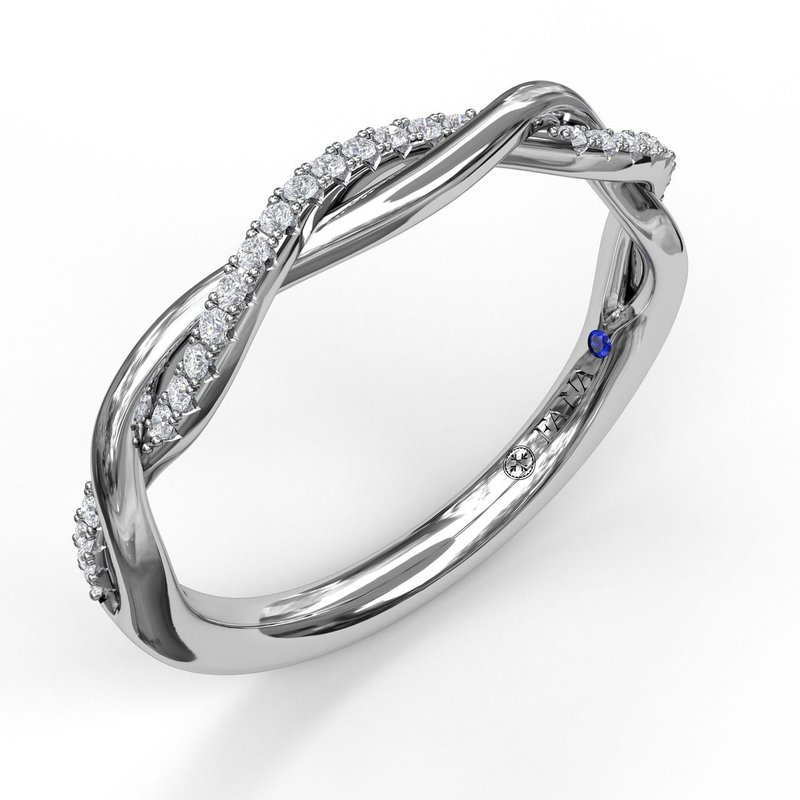 Fana Narrow Twist 1/2 Diamond Band