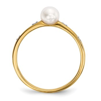 14k Freshwater Cultured Pearl and Diamond Ring