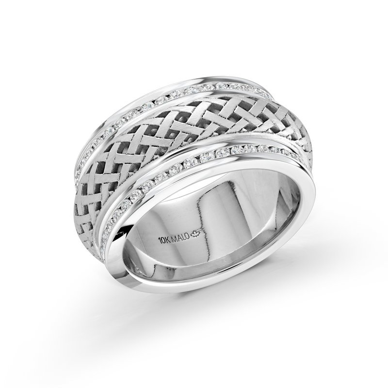 Mardini 9mm all white gold pattern cut out center band, embelished with 86X0.01CT edge-set diamonds, creating an exquisite sparkling look