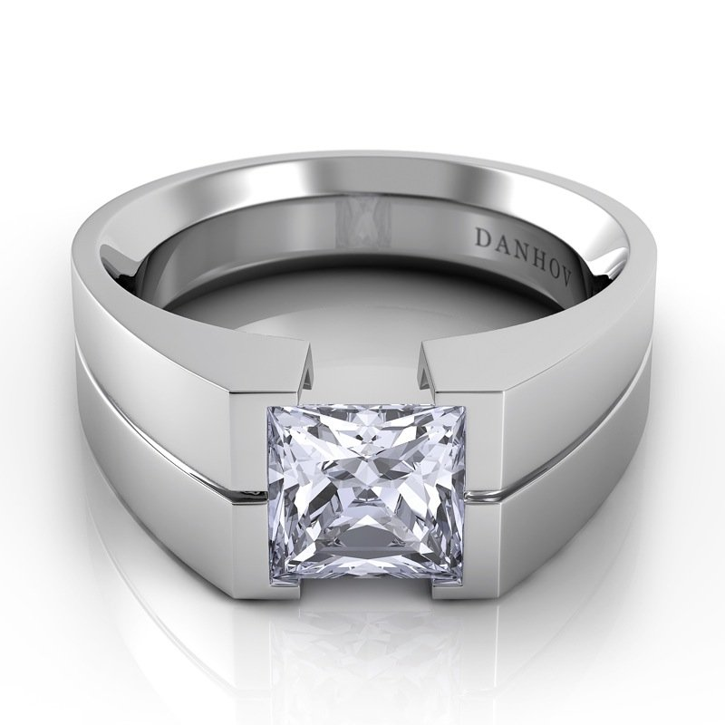 Danhov Voltaggio Single Shank Princess-Cut Engagement Ring