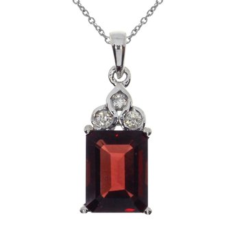 14k White Gold Octogon Garnet Pendant