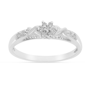 10K White Gold Diamond Cluster Ring