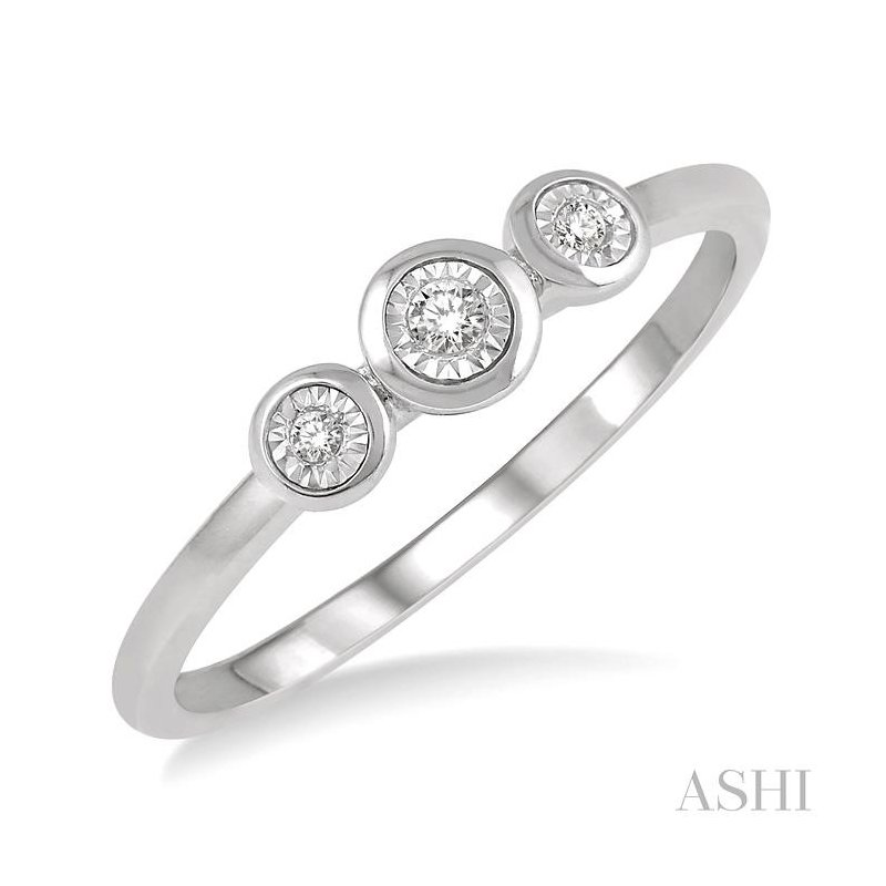 ASHI three stone diamond promise ring