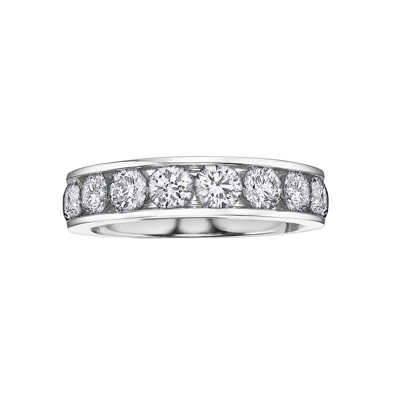 Lasting Treasures Diamond Anniversary Ring