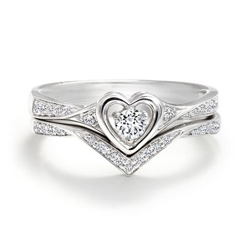 Heart Design Engagement Ring with Matching Band