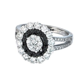 Gothica Black & White Diamond Ring