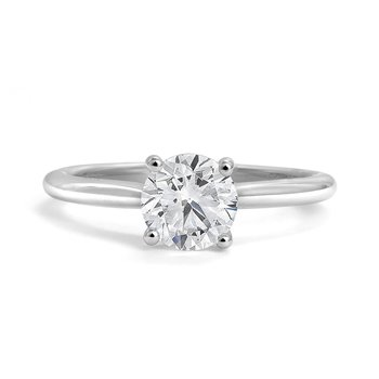 Classic Diamond Soiltaire Engagement Ring