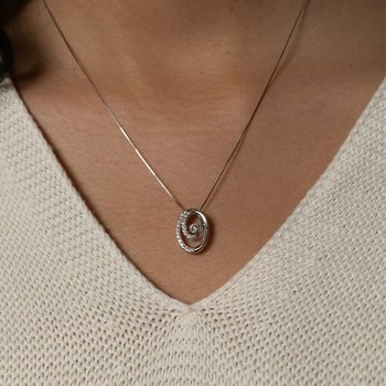 Oval Shimmering Pendant