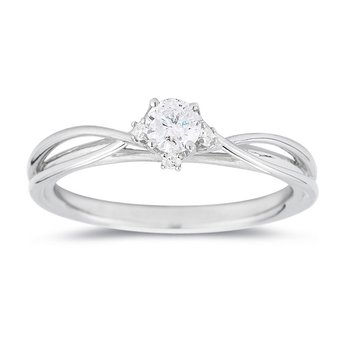 Ladies' Diamond Ring