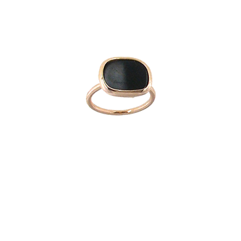 18Kt Gold Ring With Black Jade