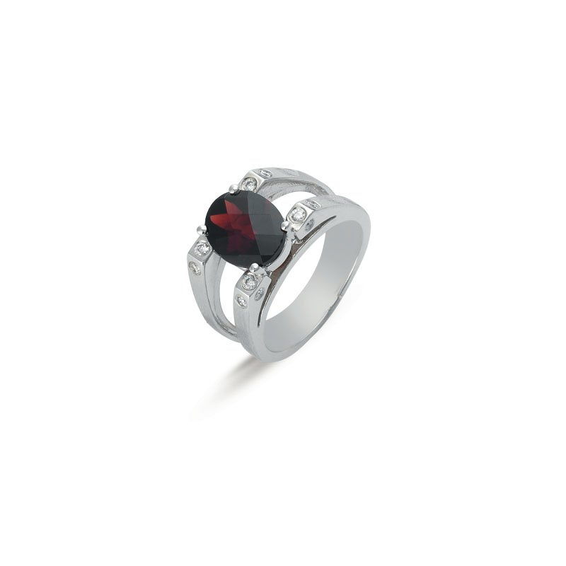 S. Kashi  & Sons Garnet. & Diamond Ring