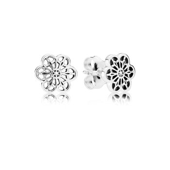 Floral Daisy Lace Stud Earrings