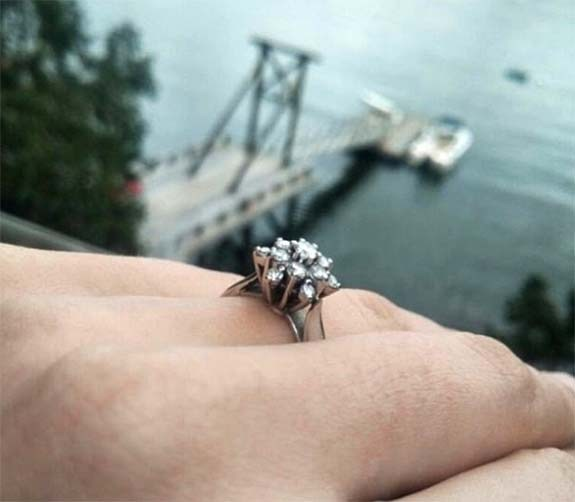 Baby Octopus Leads Divers to Lost Engagement Ring; Smartest Invertebrates Love Bling