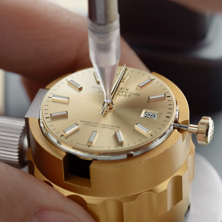 Rolex Servicing Procedure Casing Of The Movement