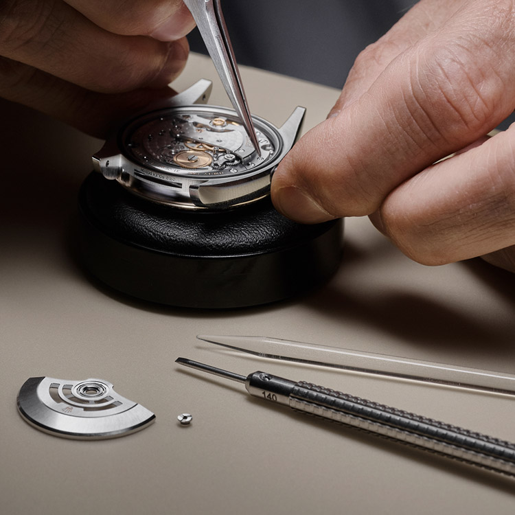 Rolex Servicing Procedure Dismantling Of The Movement